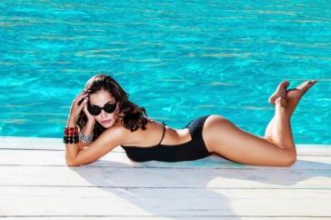 fille piscine