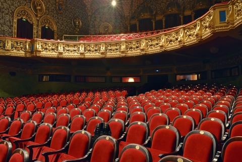 Offrez des places de théâtre avec J'achète en ville